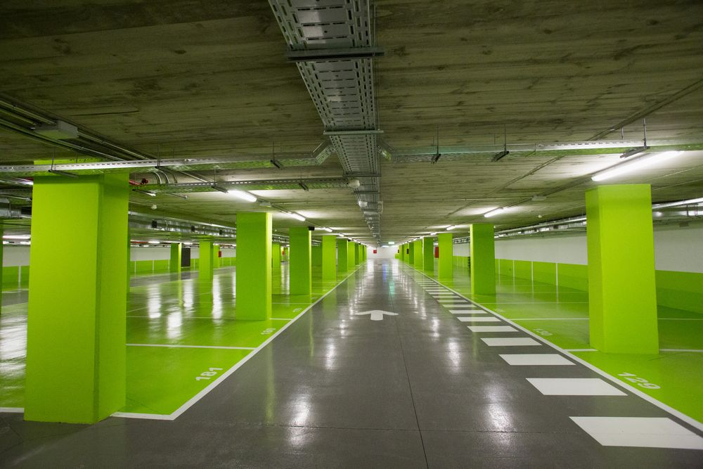 Aparcamiento de la plaza catalu a prat espais for Plaza de aparcamiento