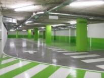 El aparcamiento se llena de color