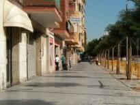 Aceras de la plaza Catalunya, abiertas a los peatones