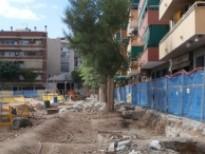 Acera de la plaza Catalunya, de la plaza Catalunya, entre la calle Lérida y la calle Pompeu Fabra.